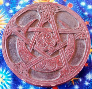 product pentacle moon celtic placque