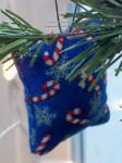 Ornament, small blue