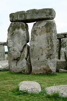 220px-Trilith_Stonehenge
