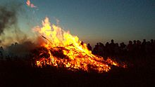 Castle_an_Dinas_midsummer_bonfire_2009