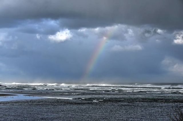 041415 Ken Gagne rainbow over yachats bay