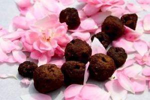 rose-beads
