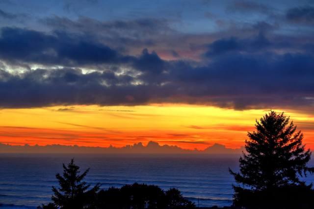 110515 Ken Gagne Yachats sunset