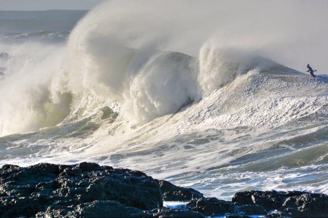 011016 Yachats Waves Ken Gagne